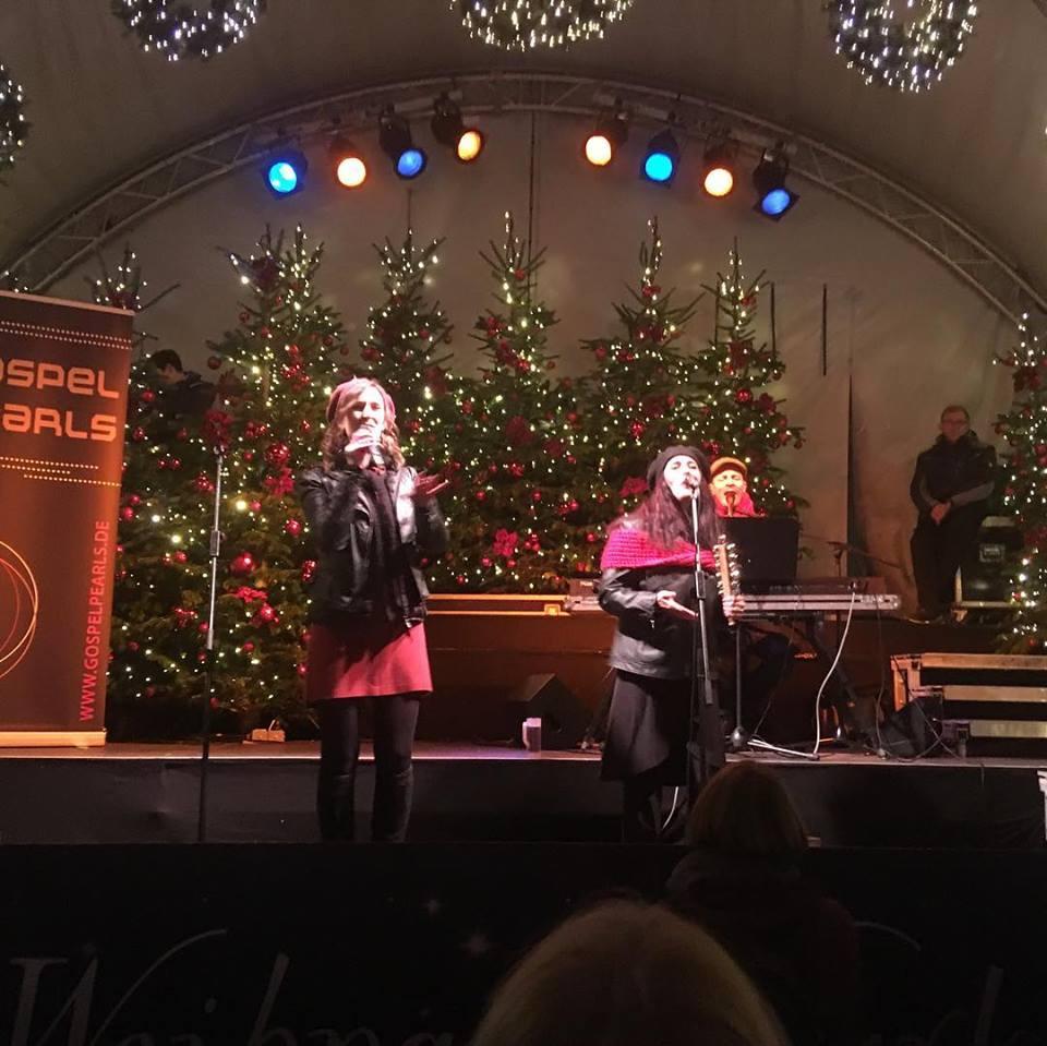 Eröffnung des Aachener Weihnachtsmarkt 2018 mit den Gospelpearls - Gospeltrio aus Köln