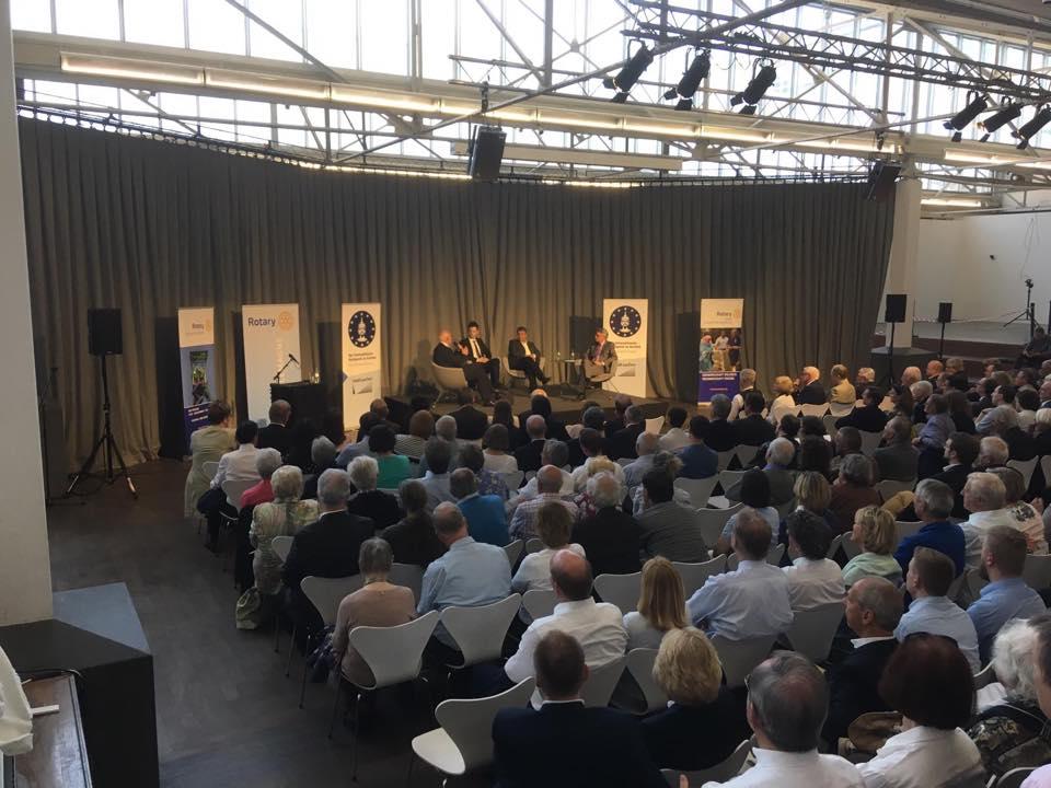 Diskussionsrunde mit Sigmar Gabriel im Rahmen der Karlspreis Verleihung am kommenden Donnerstag.