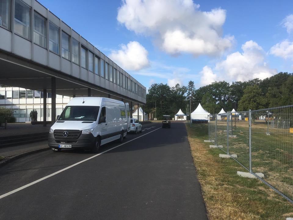 """Aufbau zum """"Tag der Neugier"""" im Forschungszentrum Jülich"""