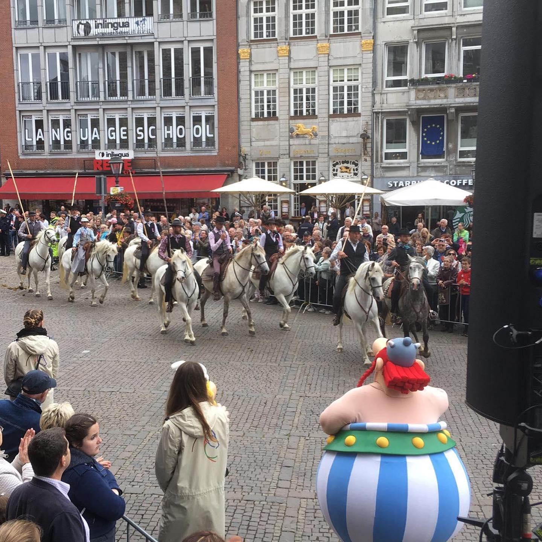 Empfang und Vorstellung Frankreichs als Partnerland des CHIO Aachen vor dem Aachener Rathaus.